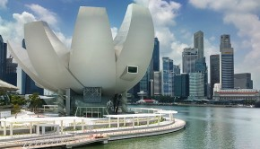 ArtScience_Museum_viewed_from_Bayfront_Drive